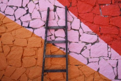 1275406969-favela-painting-2-528x352
